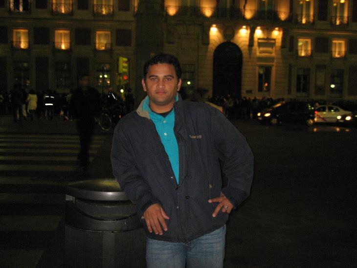 AQUI ESTOU NO CENTRO DE MADRID OU MELHOR NA FRENTE DA PORTA DO SOL