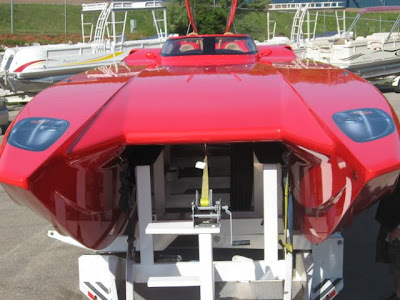 Eb mti ferrari boat for Mercedes benz yacht cost