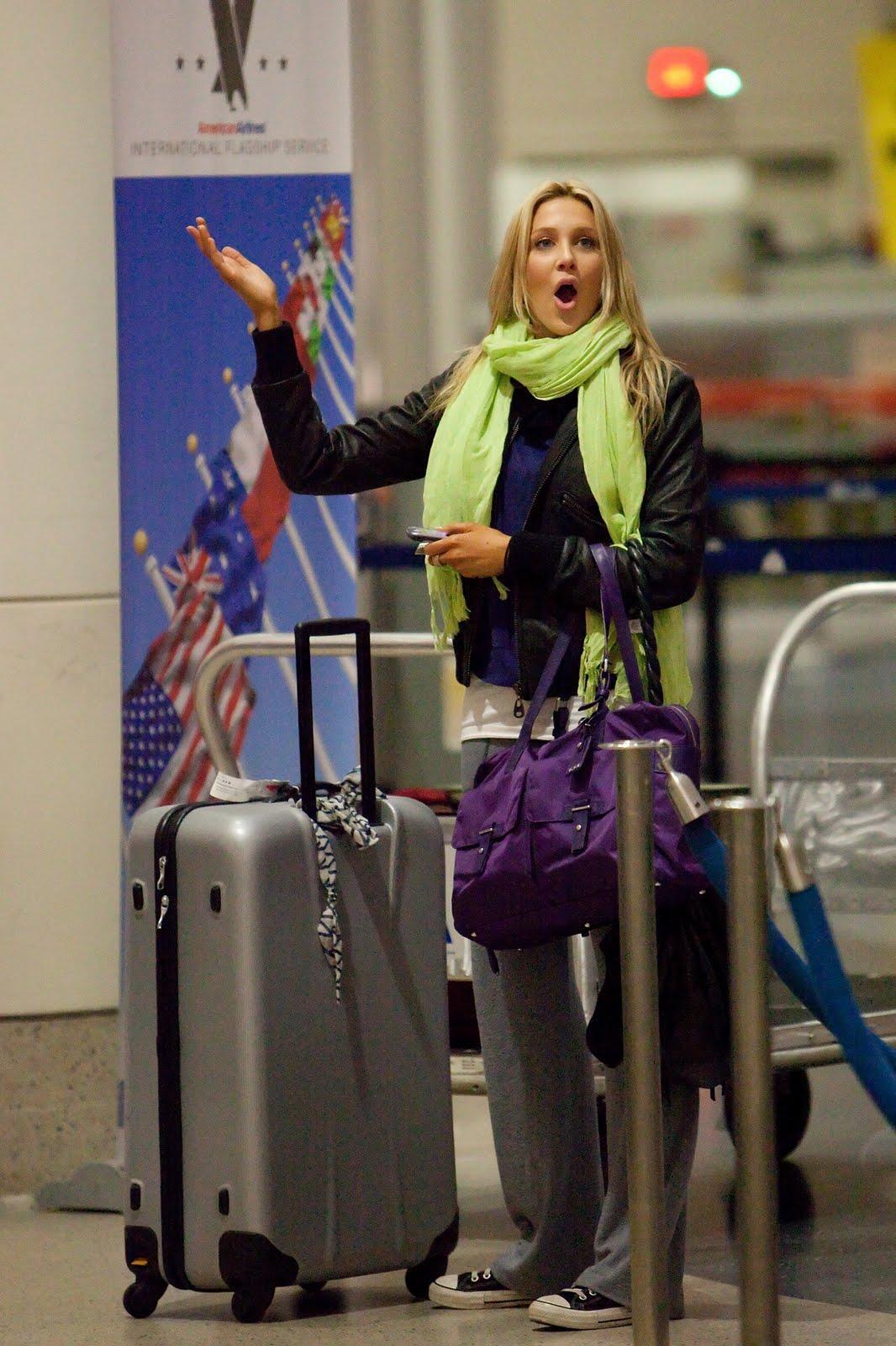 [airport8.jpg]