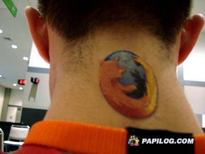 http://4.bp.blogspot.com/_GgpHQ314dzA/SdDhpk5jk3I/AAAAAAAAAdc/quYmgjv1iAE/s400/geek-tattoo-05.jpg