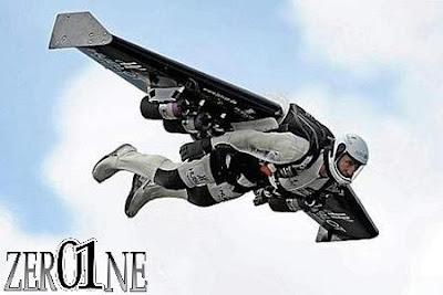 اول رجل طائر في العالم - مجلة زيرون