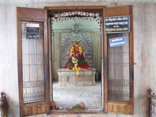 temple wallpaper. Dashabhuja Temple Wallpaper