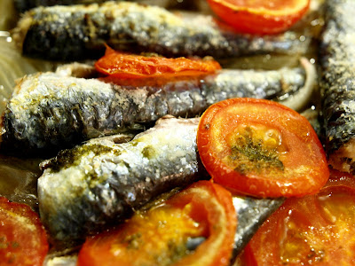 Sardinas al horno con ensalada  P5278744