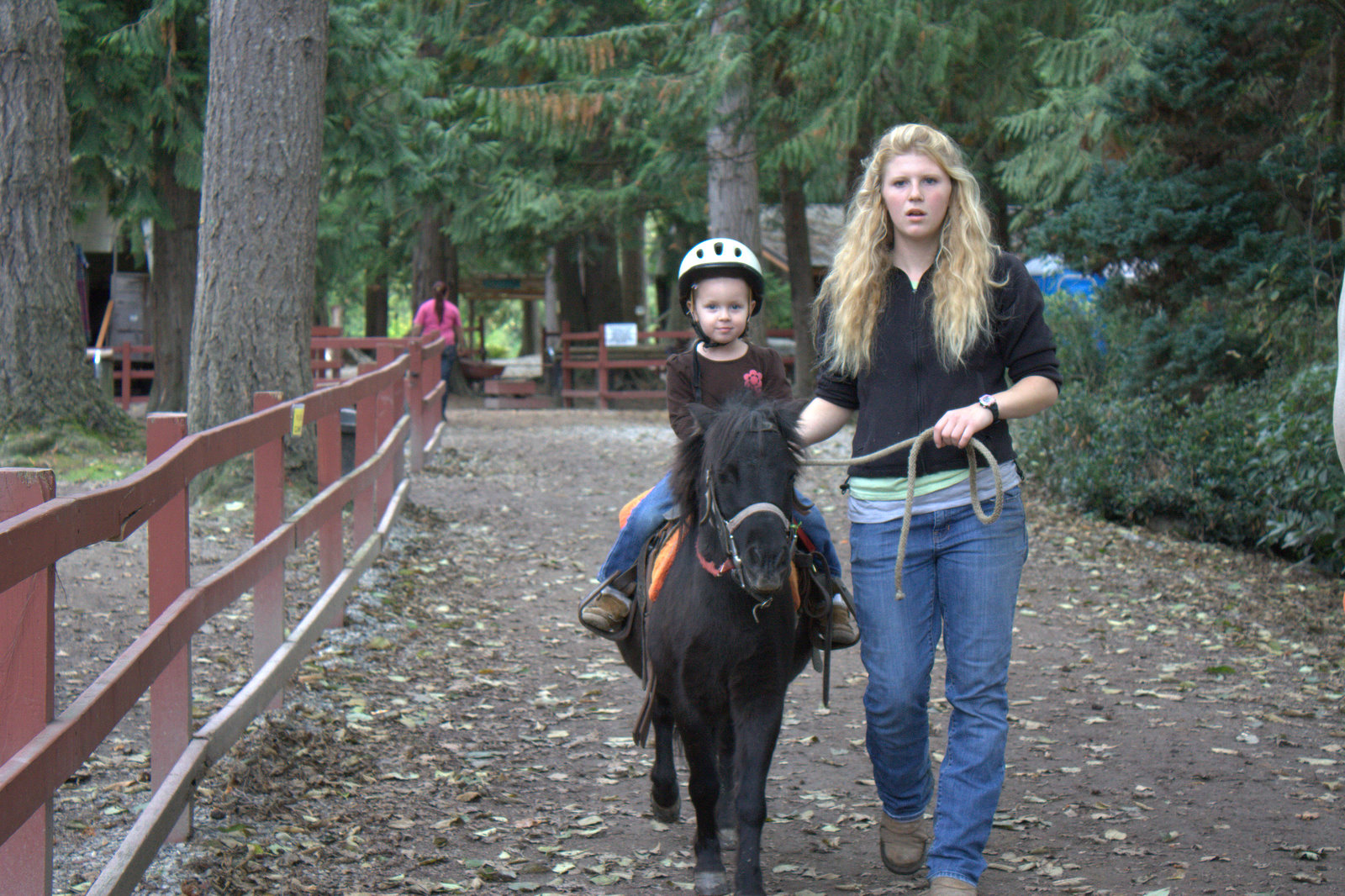 hibler house lang s pony farm she got her boots in the stirrups and held onto the reins and was excited to go after she met popeye up close that s the pony s