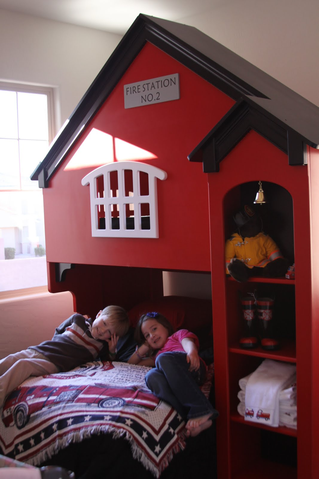 Jack Max And Cole The Coolest Bed Ever