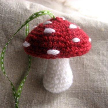 Amigurumi Mushroom Crochet Patterns : JARUM KAIT SATU a.k.a CROCHET: Amigurumi Mushroom-Free Pattern