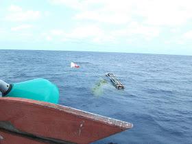 Pemasangan rumpon laut