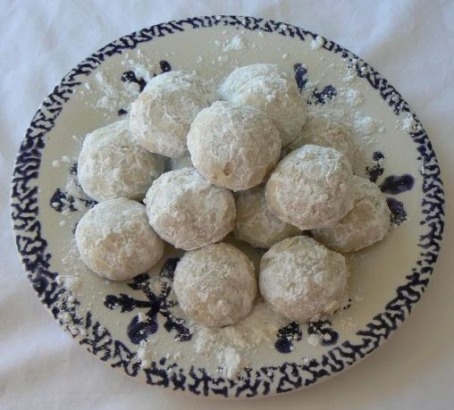 MIH Product Reviews & Giveaways: Russian Tea Cakes ( aka ...