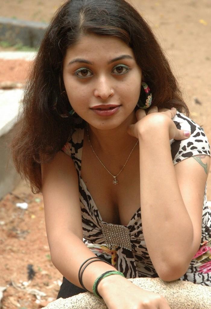 Naga Sri New telugu heroine hot images gallery