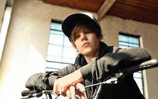 Justin Biber Fever Teen Mania Selena Gomez Boyfriend HD Wallpaper