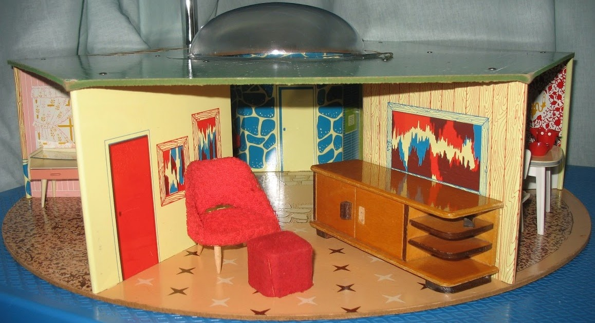 Rebecca S Collections Eagle Toys Hexagonal House Canada 1950s