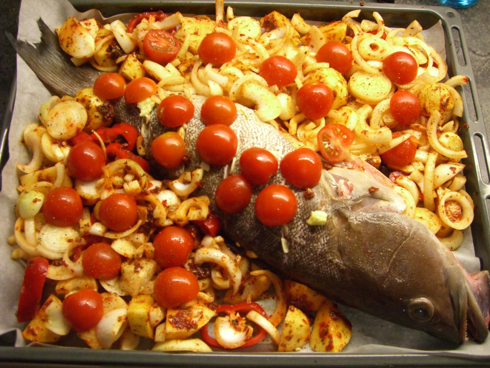 Fırınlanmış lagos balığı tarifi resimli yemek tarifleri