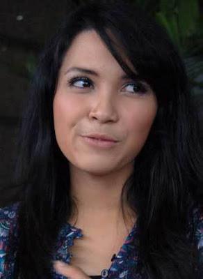 foto artis indonesia dinda kanyadewi, artis indonesia cute imut seksi, download gambar bugil