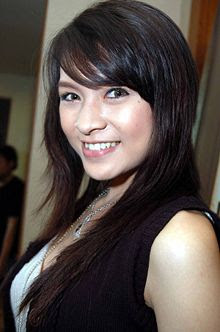 artis cantik indonesia donita, foto gadis abg seksi
