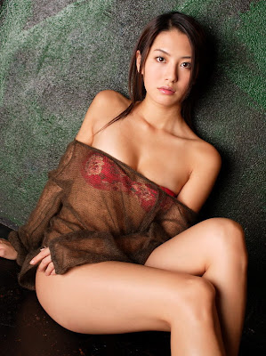 hot sexy bikini model on the spot, haruna yabuki sexy japan actress model