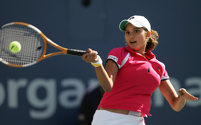 Hot Sania Mirza In Skirt Pictures