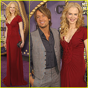 nicole kidman cmt music awards 2011 Nicole Kidmans Invisible Bump at CMT Awards