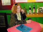 Elvira en el antiguo bar del Museo del Puerto de Bahia Blanca