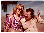 Con Elvira en la playa