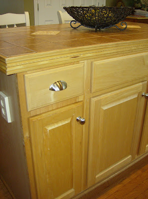 Pictures Of Kitchen Cabinets With Hardware
