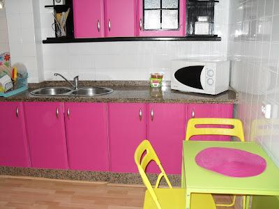 Antes y después: Cambiar el aspecto de la cocina pintando las puertas de los armarios