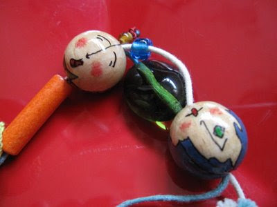 collar, bolas de madera, complemientas, hecho a mano, abalorios