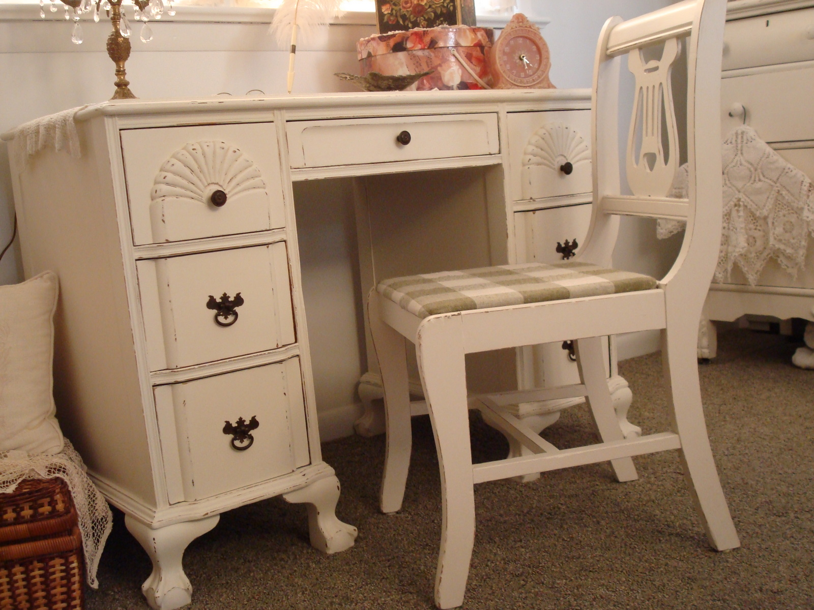 Naifandtastic decoraci n craft hecho a mano for Restaurar muebles viejos antes y despues