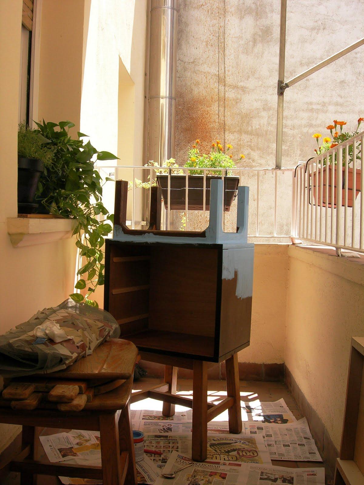 Naifandtastic decoraci n craft hecho a mano restauracion muebles casas peque as boda - Mesita noche pequena ...