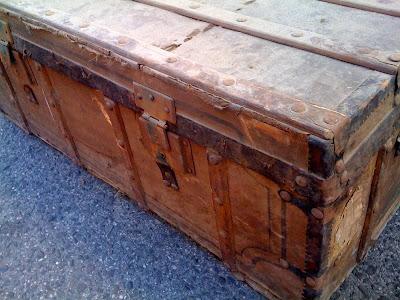 Restauración: Antes y después de un baúl antiguo