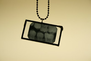 teeth x-ray pendant
