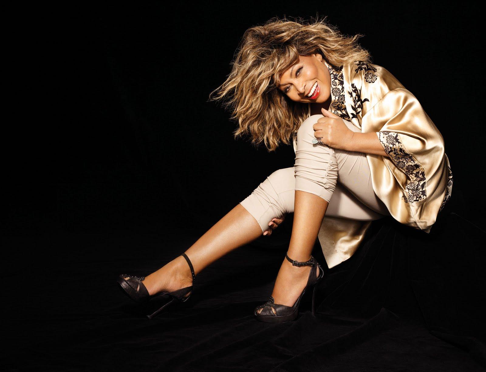 http://4.bp.blogspot.com/_Gx5cj5vpwoE/S64thmzFPYI/AAAAAAAAABE/n8zTxNZpp9c/s1600/Tina-Turner-2008_Andrew-Macpherson-4.jpg