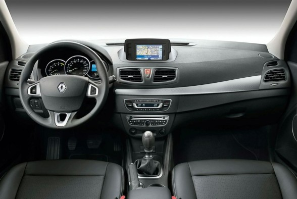 2010 Renault Fluence Interior design