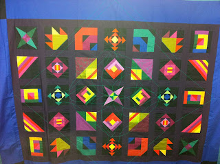 frame w center motif