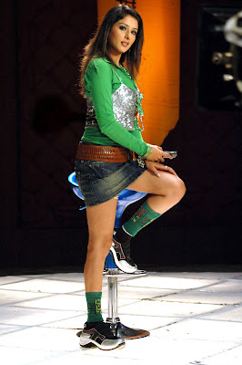 Samiksha Hot Photos in Green