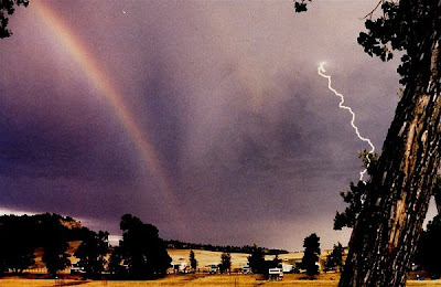 Rainbows Vs Storms Seen On www.coolpicturegallery.us