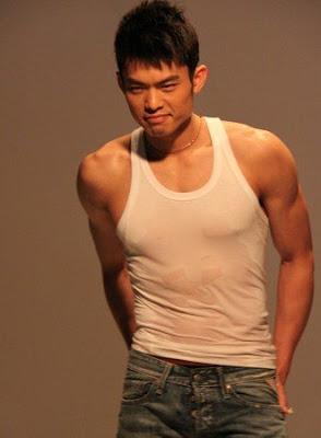 I-BuzzAbout: World No 1 shuttler Lin Dan Covers Men's ...  I-BuzzAbout: Wo...
