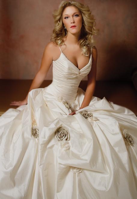 Best Seller of Cosmobella Wedding Gown