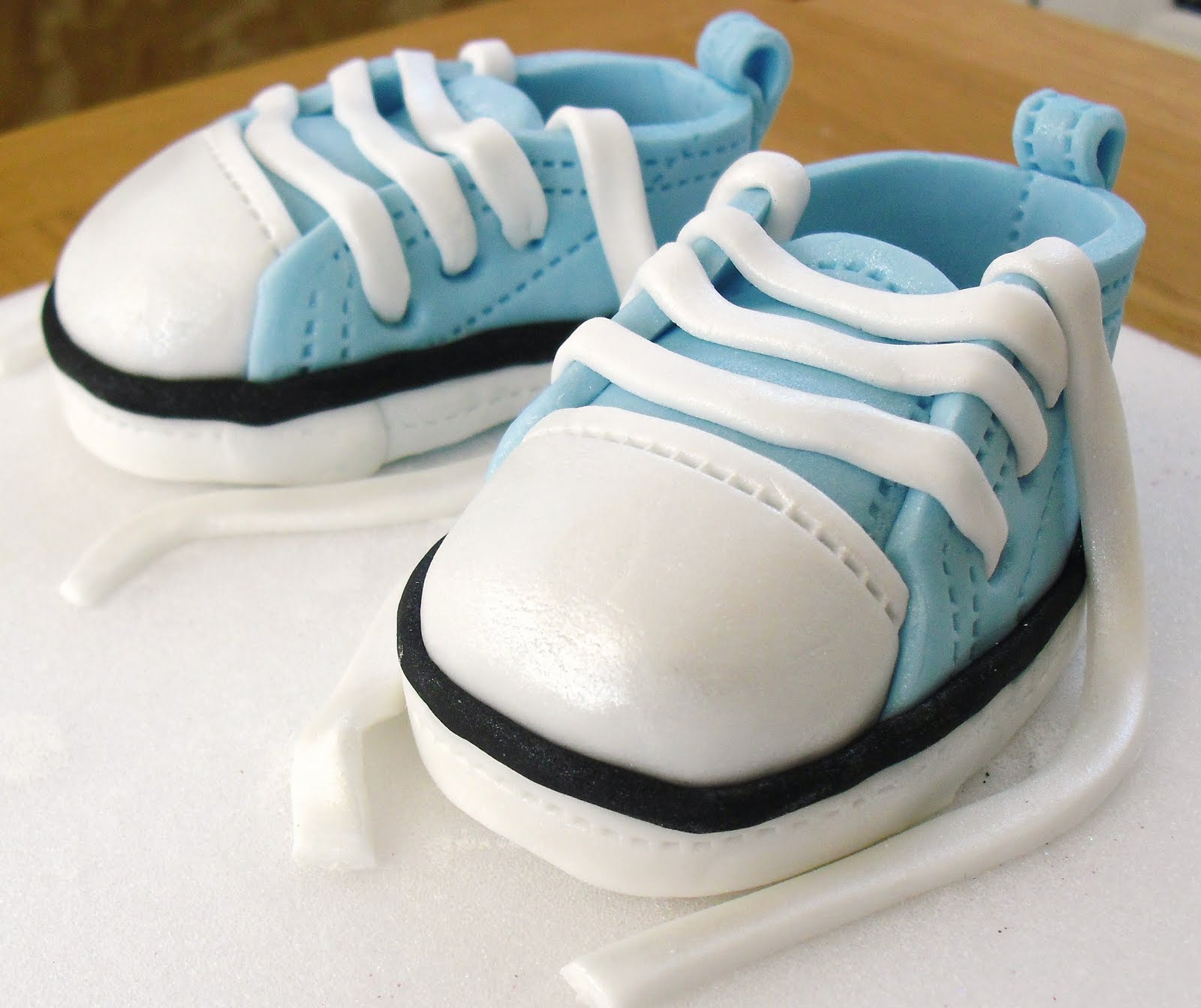 cake walk converse baby shoes