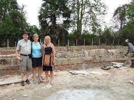 Rotarians at &#39;Muskoka School&#39; Site