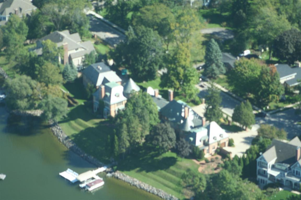 Knollward a luxury waterfront mansion close to chicago for Chicago mansion for sale