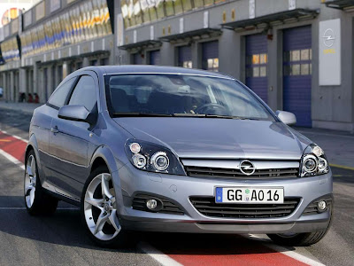 2005 Opel Astra Gtc With Panoramic Roof. 2005 Opel Astra GTC