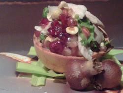 Tiepido di cappone, cranberries e melograno