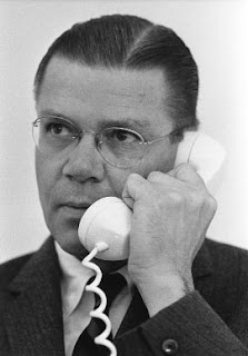 war criminal & vietnam architect, robert mcnamara, dead at 93