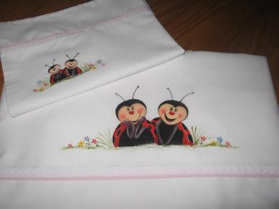 lençol para cama de grades com joaninha