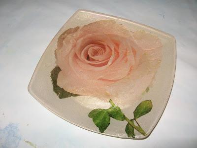 prato em vidro com decoupage