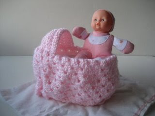 Crocheted Doll Bed from a Plastic Bottle