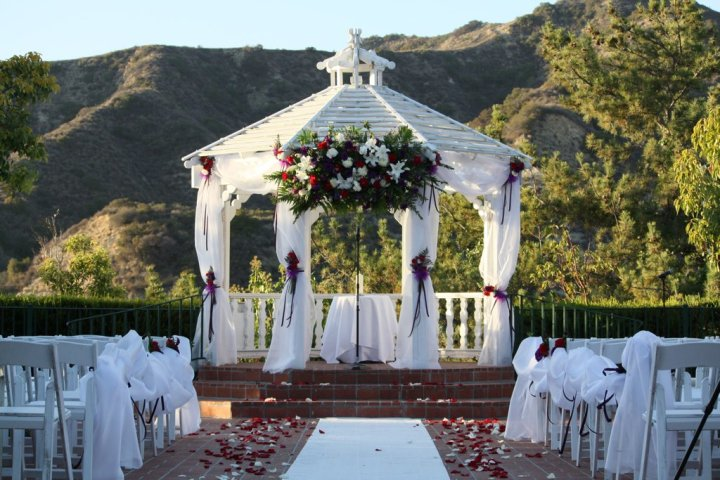 Backyard Wedding Venues : The Exotic Green Garden Wedding Venues & Helpful Hints