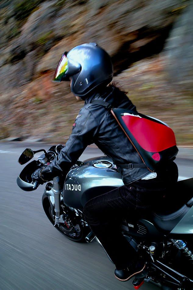 [Ducati+Performance社製SDIM2014.jpg]