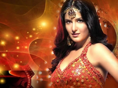 Bollywood Actress Katrina Kaif Beautiful Smile Wallpapers