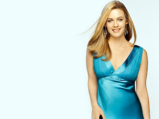 Hollywood celebrities Alicia Silverstone Wallpapers ~ Hollywood & Bollywood Celebrity Wallpapers, News, Actress Gossip